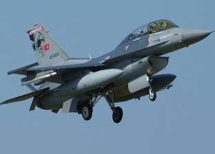 طائرة تركية تقصف قرية بشمال العراق