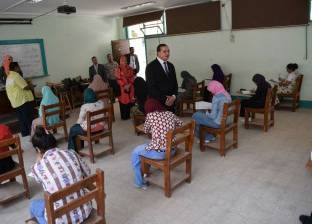"""865 طالبا وطالبة بـ""""تمريض سوهاج"""" يؤدون امتحانات الفصل الدراسي الثاني"""