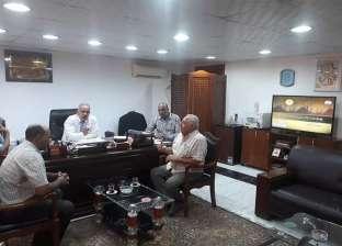 رئيس مدينة سفاجا يناقش مشكلات مياه الشرب والعمل على حلها