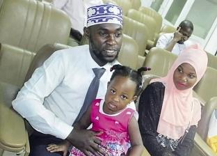 «سليمبا» احتار بين مصر وأوغندا فاختار الاتنين: هشجع بلدى بعلم «أم الدنيا»