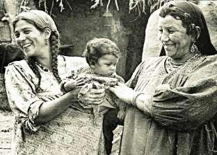 قبل «السوشيال ميديا»..الجار للجار: التواصل بـ«أكلة وقعدة بلكونة»