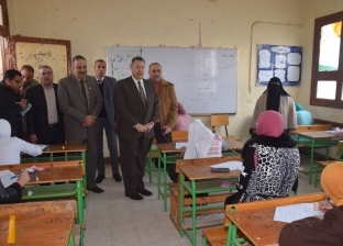 """وقف رئيس لجنة ومراقب أضاعا 200 كراسة إجابة لـ""""3 إعدادي"""" في بني سويف"""