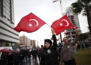 """روائية تركية تندد بـ""""العبثية والتعسف"""" في بلادها"""
