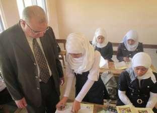 مدير تعليم الوادي الجديد يتفقد مدارس قرى المنيرة في مركز الخارجة