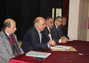 """وكيل """"تعليم الغربية"""" يجتمع مع رؤساء لجان الشهادة الإعدادية"""