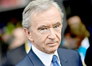 """متخطيا جيتس وبيزوس.. ملياردير فرنسي يتربع على عرش """"أغنى رجل في العالم"""""""