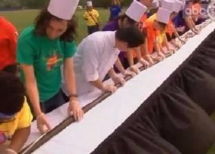 أطول شطيرة سوشي في العالم.. طولها 442 قدما