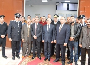 محافظ بورسعيد يفتتح مكتب السجل المدني بحي العرب