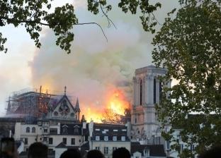 """فرق الإطفاء الفرنسية تركز جهودها على إنقاذ التحف الفنية في """"نوتردام"""""""