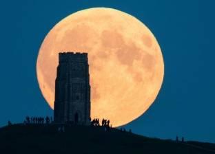 5 أسئلة حول أطول خسوف كلي للقمر تشهده البلاد