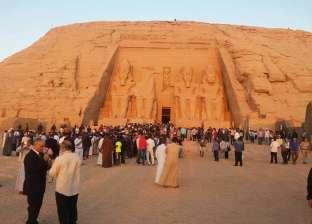 وزيرا الثقافة والآثار وألفا سائح يشاهدون تعامد الشمسبمعبد أبوسمبل