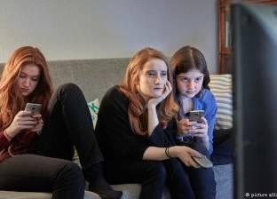 تطبيق جديد يجبر الأبناء على قراءة الرسائل النصية للآباء