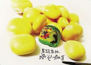 فن «المحشى»: «إسلام» يرسم وينحت على الباذنجان والأرز والبصل