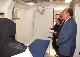 توقيع الكشف على 1200 مواطن خلال قافلة طبية بجزيرة أبو صالح في بني سويف
