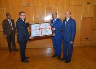 رئيس جامعة أسيوط يعلن عن تجديد شهادة الأيزو 9001 للنظام الإداري