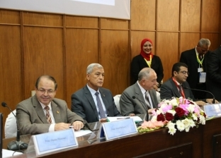 """بالصور """"عباس"""" يشهد فعاليات المؤتمر العلمي الأول لمستشفى صدر شبين الكوم"""