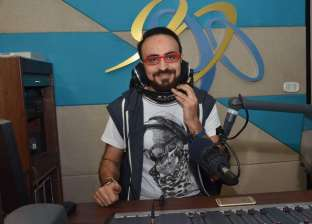 """""""أسعد طفل"""" ليست الأولى.. أبرز مبادرات أحمد يونس لجمهور """"الراديو 9090"""""""