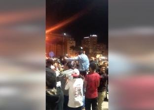 """بالأعلام وأغاني """"بيكا"""".. احتفالات في ميدان التحرير بنتيجة الاستفتاء"""
