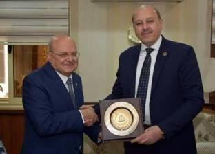 رئيس جامعة الزقازيق يهنئ مدير أمن الشرقية بعيد الشرطة الـ66