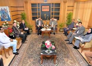 المستشار الثقافي اليمني يتابع أحوال الطلاب بجامعة المنصورة