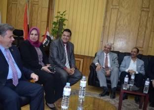 القاضي يستقبل عددا من أساتذة الجراحة في الجامعات المصرية