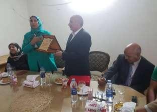 قومي المرأة يكرم رئيس مدينة بني سويف السابق لجهوده بالمحافظة