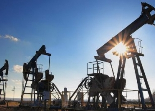 النفط يرتفع 5% وسط أنباء عن اتفاق على خفض الإنتاج