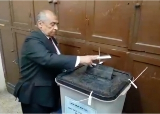 """وزير الزراعة يدلي بصوته في """"التعديلات الدستورية"""" : المشاركة أمانة"""