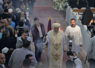 بالصور| البابا عن الأنبا بيشوي: نودعه بفرح وقد أكمل حياته في سلام