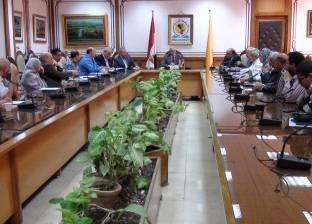 رئيس جامعة المنيا: تطوير قسمي الاستقبال والطوارئ بالمستشفى الجامعي