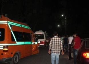 بسبب الأمطار.. إصابة 15 مواطنا في انقلاب سيارة بطريق أسيوط الغربي