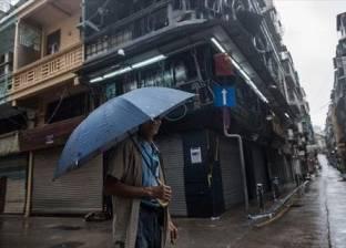"""عاصفة تضرب هونج كونج وماكاو بعد الإعصار المدمر """"هاتو"""""""