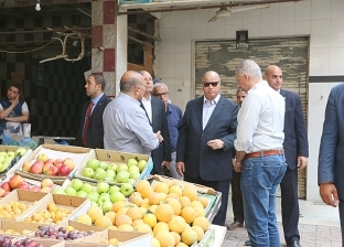 بالصور| محافظ القاهرة يتفقد أعمال تطوير سوق سوهاج بمصر الجديدة