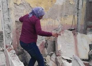 سقوط أجزاء من عقار وسط الإسكندرية دون إصابات