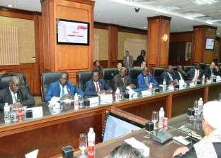 محافظ سوهاج يجتمع مع وفد دولة جنوب السودان لبحث الفرص الاستثمارية