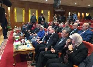 """هالة زايد تصل هيئة قناة السويس.. و""""مميش"""": صحة المصريين عمود الاقتصاد"""