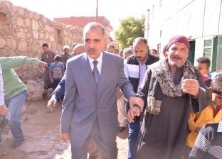 محافظ أسيوط: احتواء أزمة عزبة سعيد برفع آثار الأمطار وتعويض الأهالي