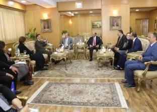 محافظ دمياط يبحث مع السفير السويسري سبل التعاون بين البلدين