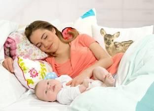 6 علامات على الطفل الرضيع تتسبب في إفطار الأم فورا