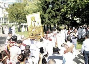 أقباط باريس يحتفلون بعيد العذراء بحضور الأسقف العام