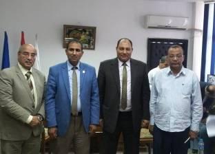 بحث آليات التعاون بين جامعة أسوان وقطاع استصلاح الأراضي