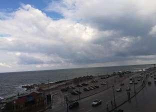 بالصور  الأمطار الغزيرة تواصل هطولها على الإسكندرية