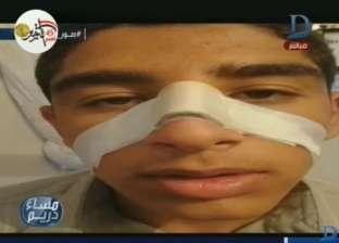 """بالفيديو  طالب يكسر أنف زميله بالشرقية.. ووالدته: """"هي بونية واحدة بس"""""""