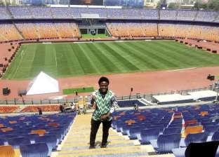 نيجيرى يرد الجميل بالتطوع فى التنظيم: نجاح مصر نجاح للقارة