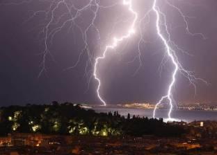 حرائق وصعق وكوارث طرق.. حوادث صاحبت موجات الطقس السيئ في مصر