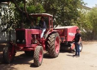 """""""البيئة"""": توزيع 117 معدة لمتعهدي جمع قش الأرز في الدقهلية"""