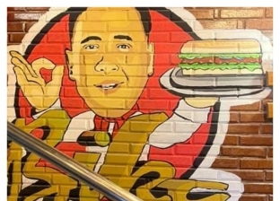 «بيكا سندوتش».. جولة داخل مطعم حمو بيكا بالإسكندرية.. صور