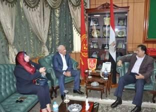 وزير الصحة يناقش توفير الأطباء والتمريض بمستشفيات بورسعيد