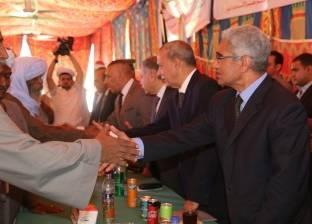 محافظ قنا يتابع الموقف التنفيذي لعدد من المشروعات الاستثمارية
