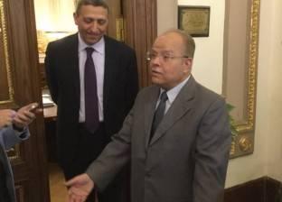بعد قبول استقالته.. سري صيام يسلم البرلمان جهاز التابلت وكارنيه عضويته